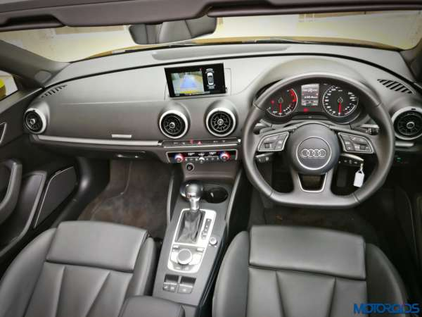 New-2017-Audi-A3-Cabriolet-facelift-dashboard-1-600x450