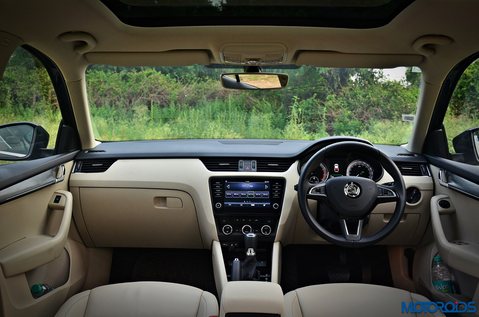 New-2017-Skoda-Octavia-Review-Cabin-view-1