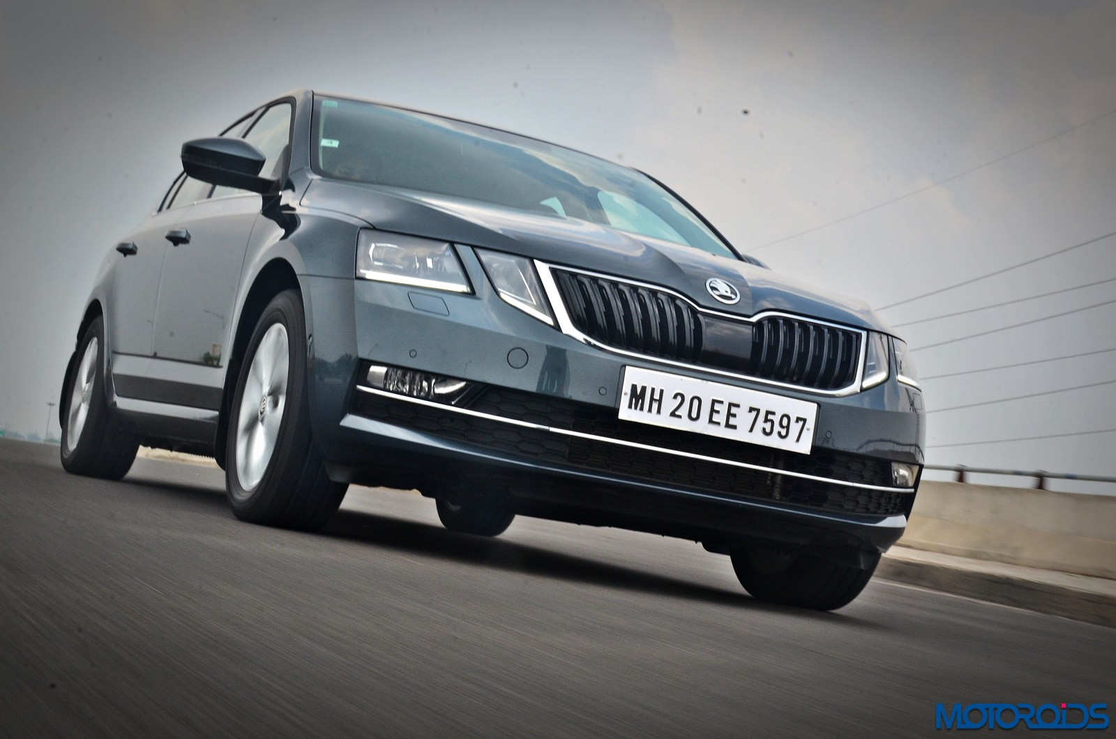 New-2017-Skoda-Octavia-Review-In-motion-pictures-3
