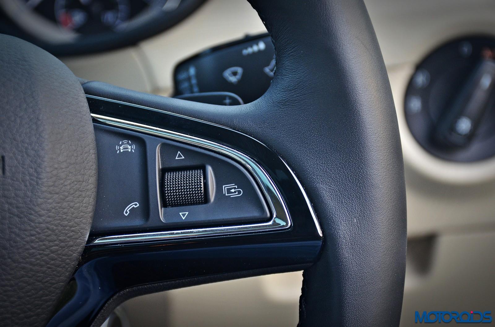 New-2017-Skoda-Octavia-Review-steering-controls