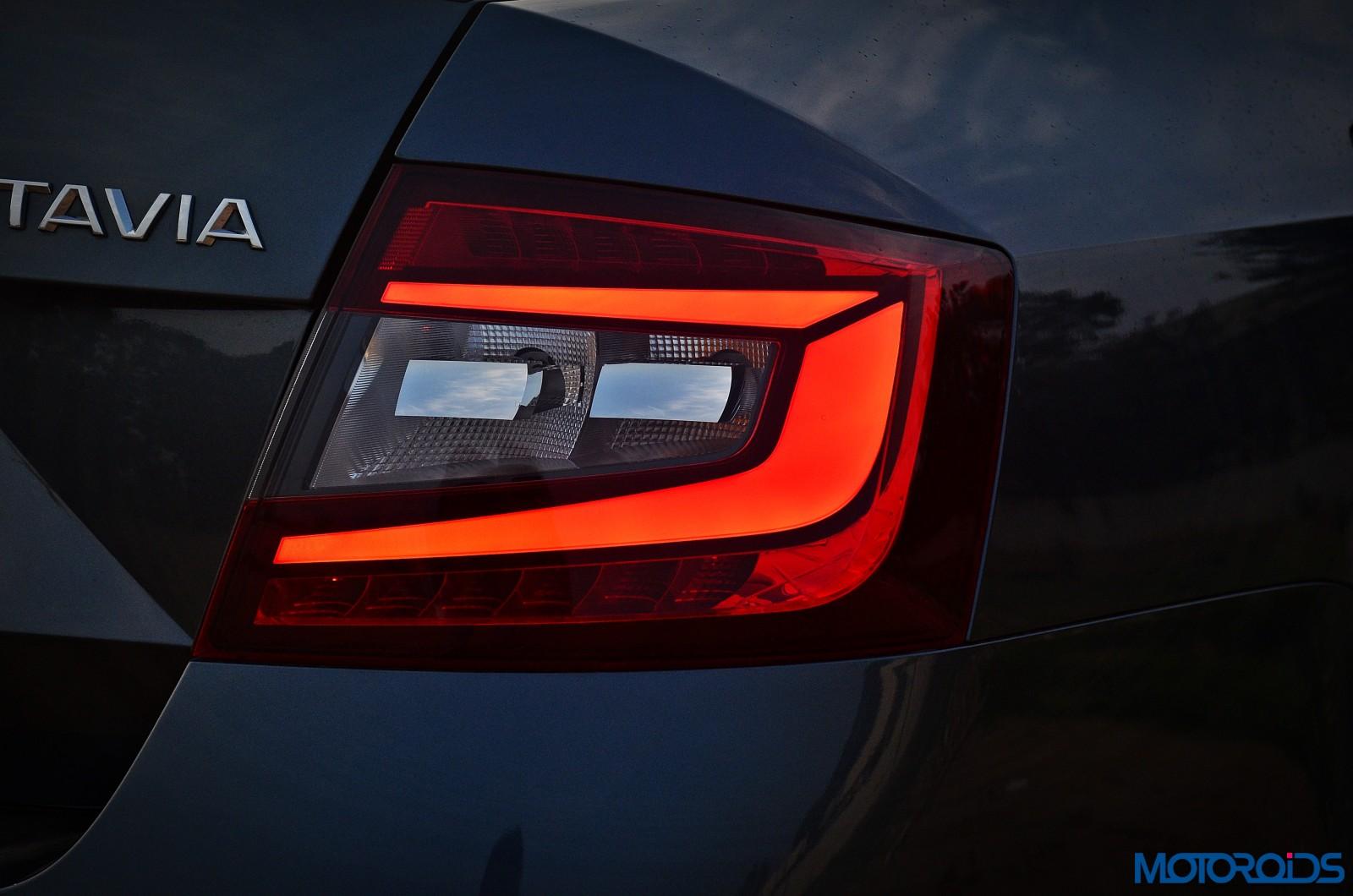 New-2017-Skoda-Octavia-Review-taillight-illumination