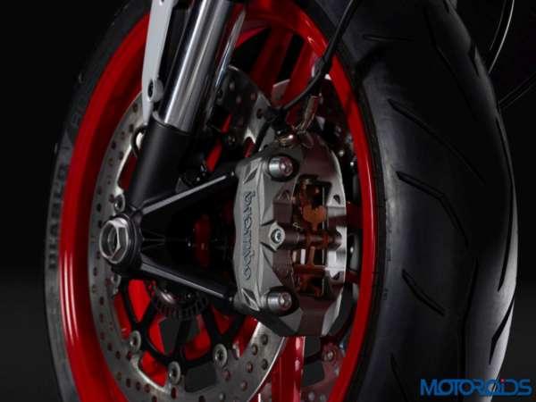 New-Ducati-Monster-797-Stock-Photographs-10-600x450