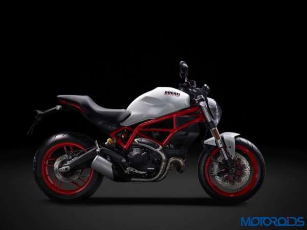 New-Ducati-Monster-797-Stock-Photographs-15-600x450