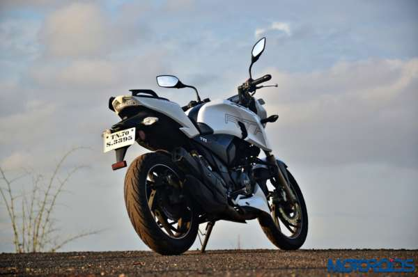 June 19, 2017-TVS-Apache-RTR200-4V-12000-KM-Long-Term-Review-4-600x398.jpg