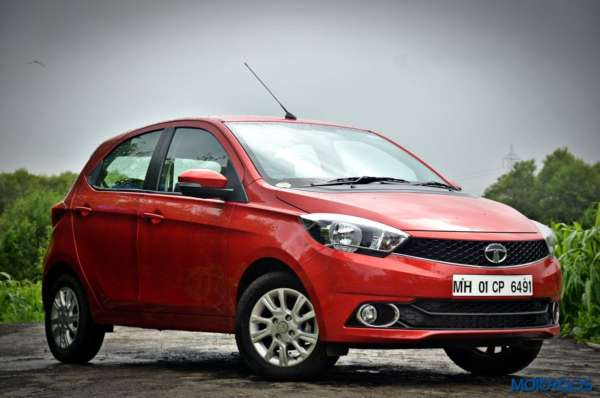 Tata Tiago AMT Front three quarter right