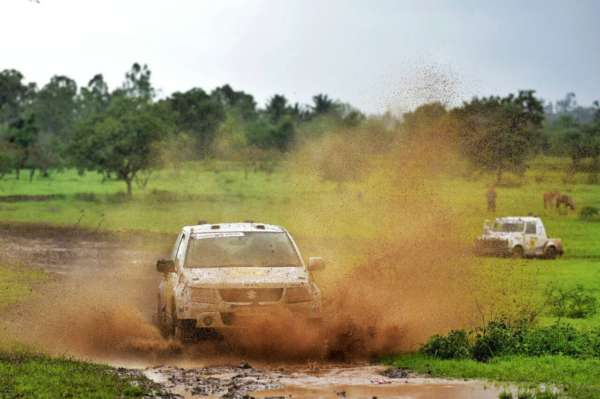2017-Maruti-Suzuki-Dakshin-Dare-debuts-in-Maharashtra-1-600x399