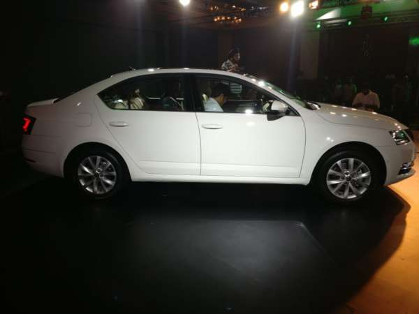 2017 Skoda Octavia Facelift India Launch (2)
