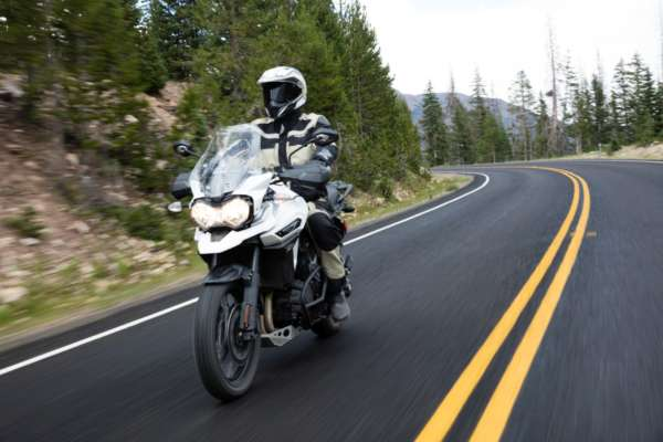 2017-Triumph-Tiger-Explorer-XCx-India-Launch-Stock-Photos-5-600x400