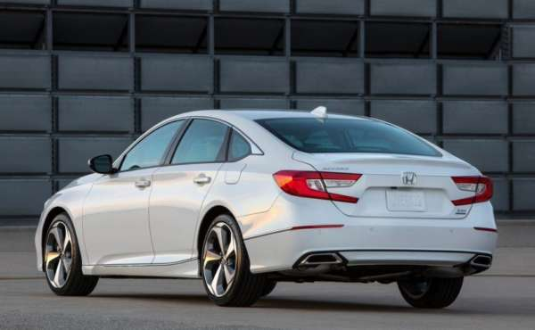 2018-Honda-Accord-Launched-006-600x370