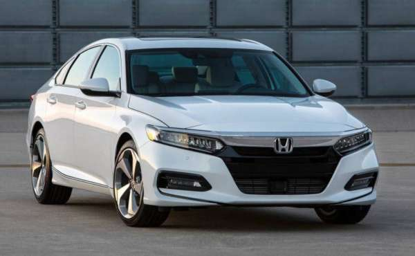 2018-Honda-Accord-Launched-007-600x370