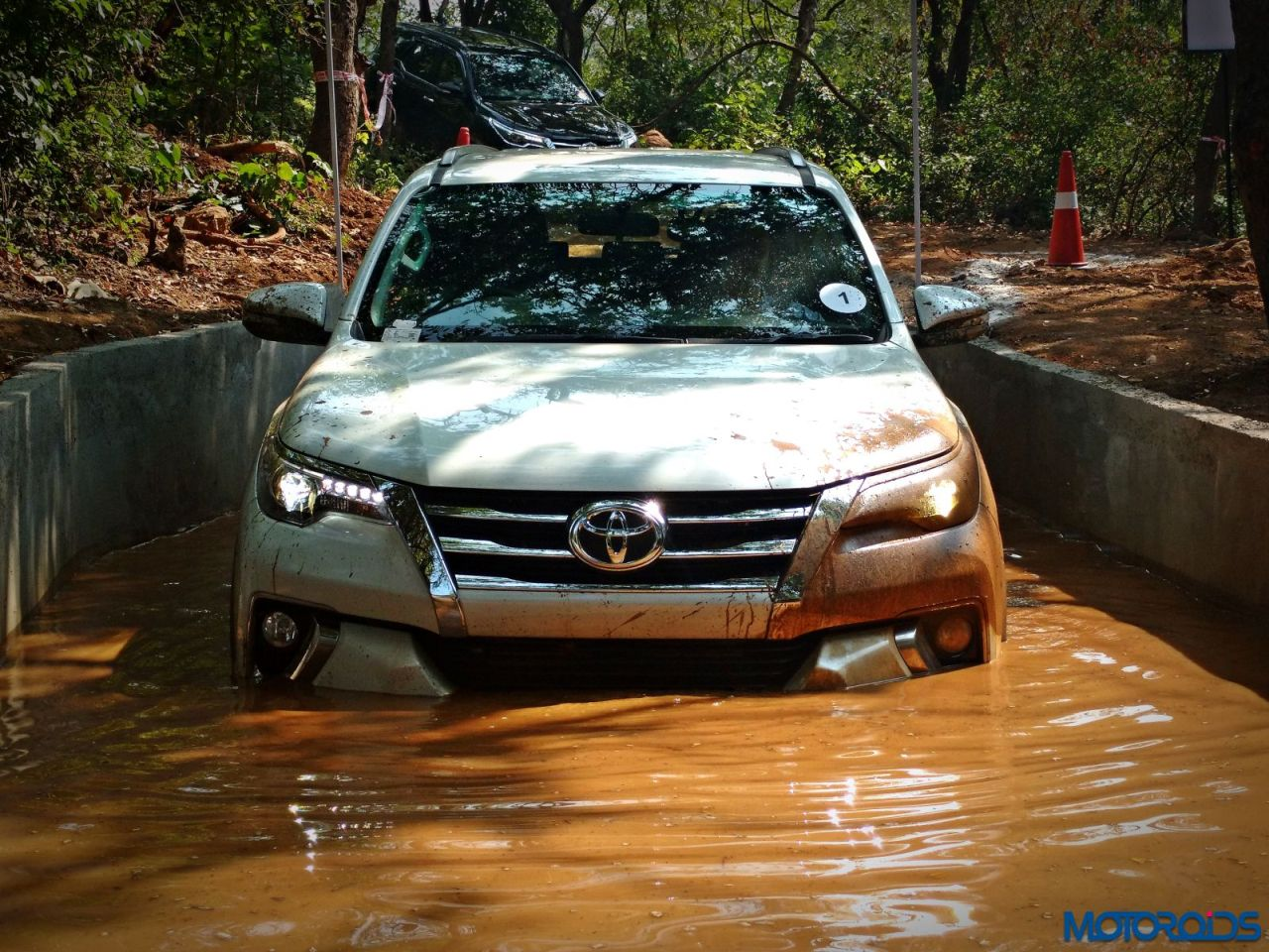 7-Features-that-make-the-Fortuner-stand-out-005