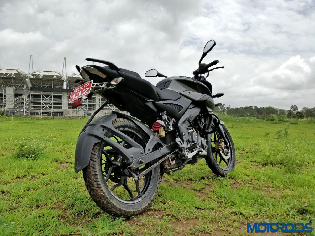 Bajaj Pulsar Ns 160 First Ride Review Creamy Surprise Motoroids