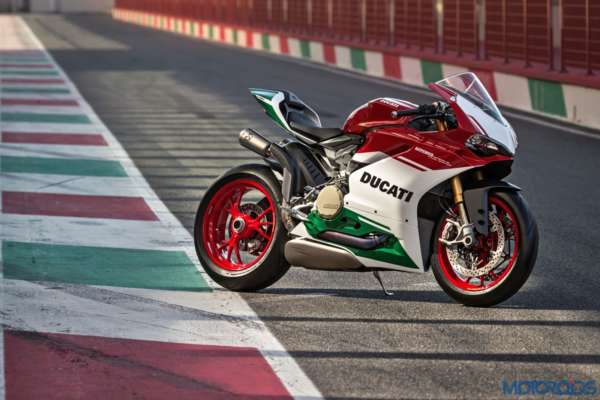 Ducat-1299-Panigale-R-Final-Edition-1-600x400