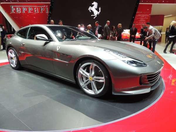 Ferrari-SUV-002-600x450