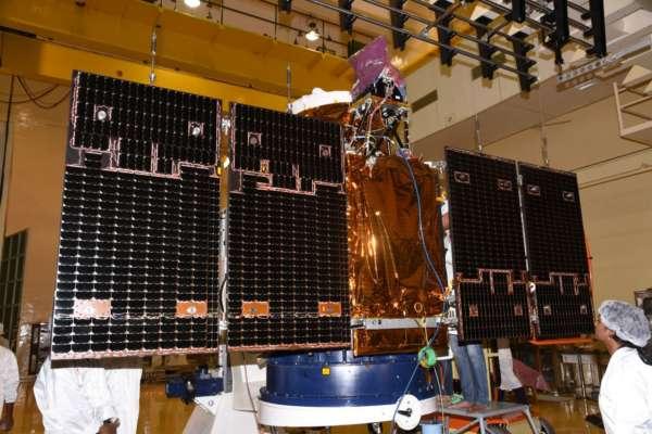 ISRO-Space-Batteries-Power-EV-001-600x400