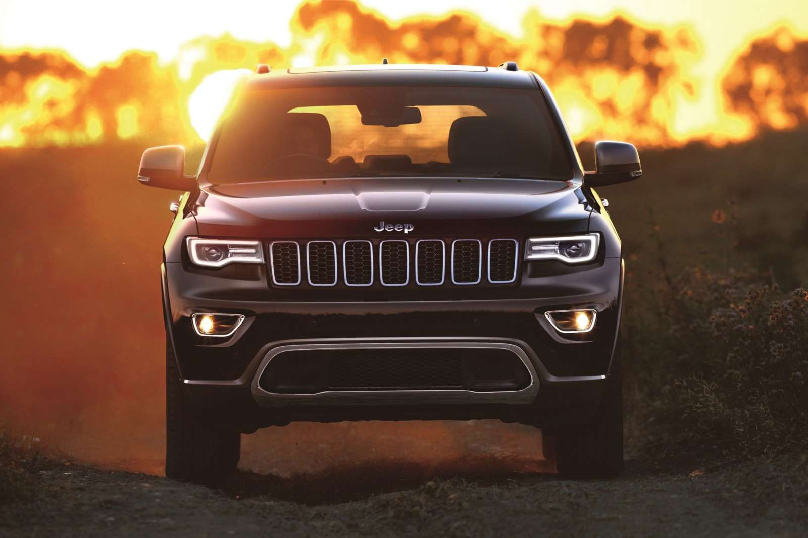 jeep grand cherokee petrol launched in india at inr lakh ex delhi motoroids. Black Bedroom Furniture Sets. Home Design Ideas