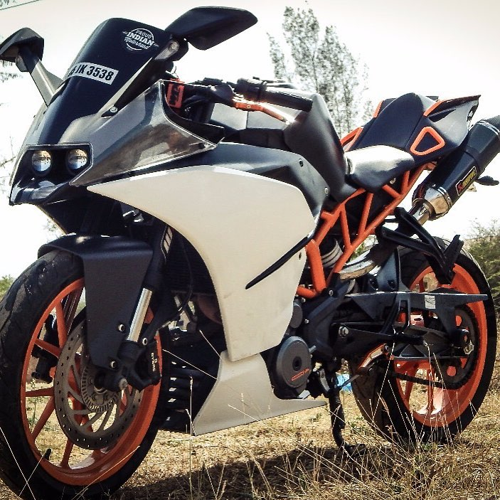 KTM-RC-390-by-FULL-THROTTLE-CUSTOMS-2