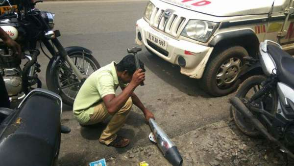 Kerela-Cops-Crack-Down-And-Destroy-Illegal-Exhausts-On-Via-FBMotorcycles-2-600x338