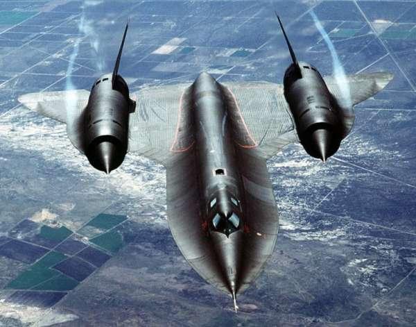 Lockheed-Martin-SR71-003-600x471