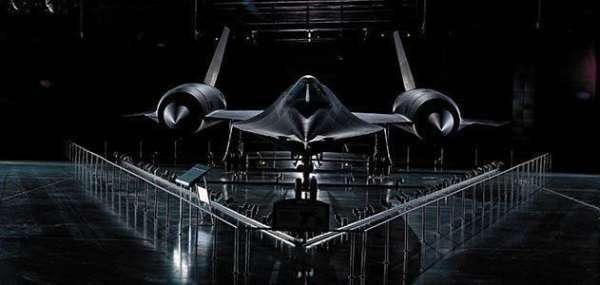 Lockheed-Martin-SR71-004-600x285