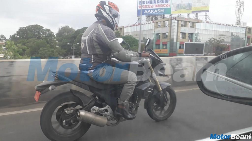 Mahindra-Mojo-with-single-exhaust