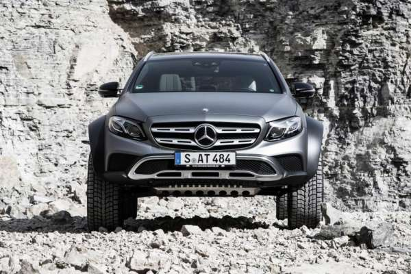 Mercedes-Benz-E-Class-All-Terrain-4x4-Squared-Revealed-07-600x400