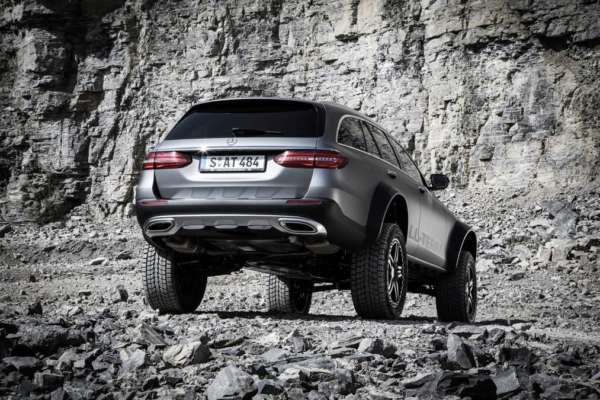 Mercedes-Benz-E-Class-All-Terrain-4x4-Squared-Revealed-08-600x400