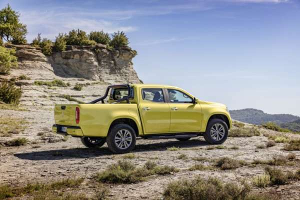 Mercedes-Benz-X-Class-Revealed-014-600x400