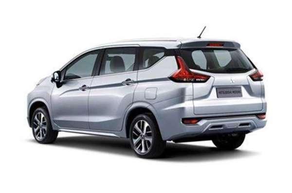 Mitsubishi-Expander-MPV-Revealed-2-600x398