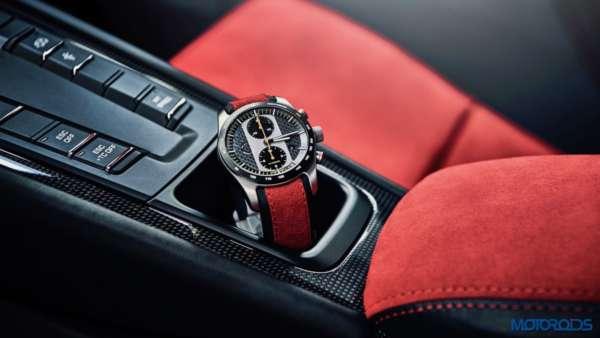Porsche 911 GT2 RS interior
