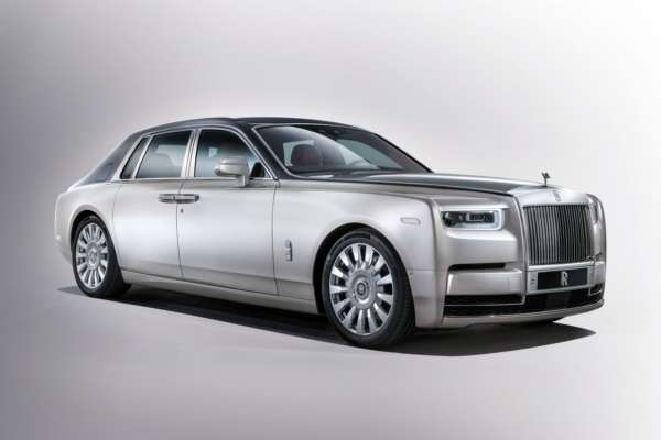 Rolls-Royce-Phantom-VIII-17-600x400