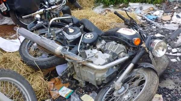 Royal-Enfield-Motorcycles-Damaged-In-Transit-2-600x337