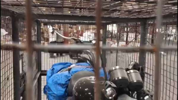 Royal-Enfield-Motorcycles-Damaged-In-Transit-VRL-Logistics-1-600x337