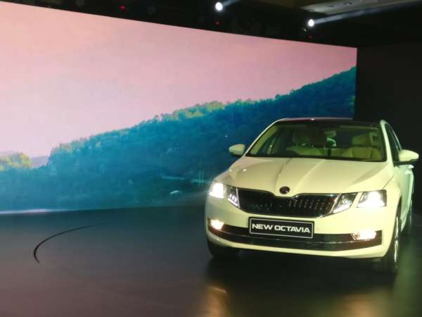 Skoda-Octavia-facelift-launched-in-India-5-600x450