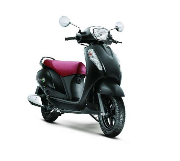 Suzuki-Access-125-Metallic-Matt-Black-1-600x537