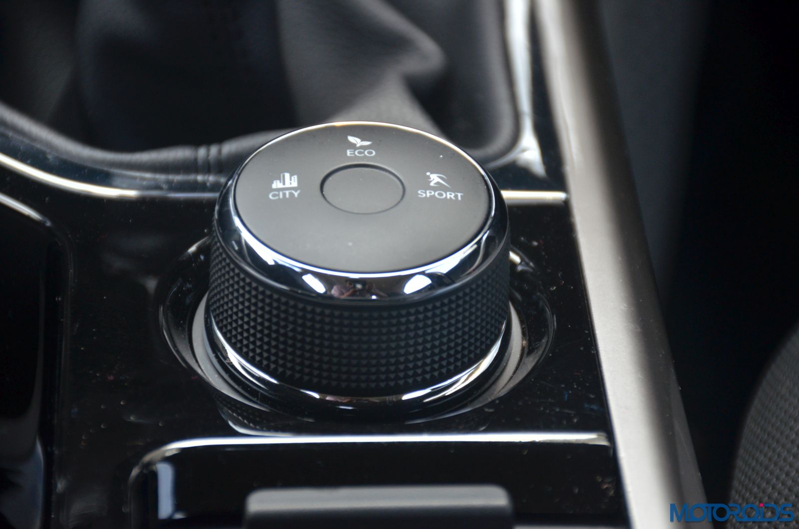 Tata-Nexon-drive-selector-dial