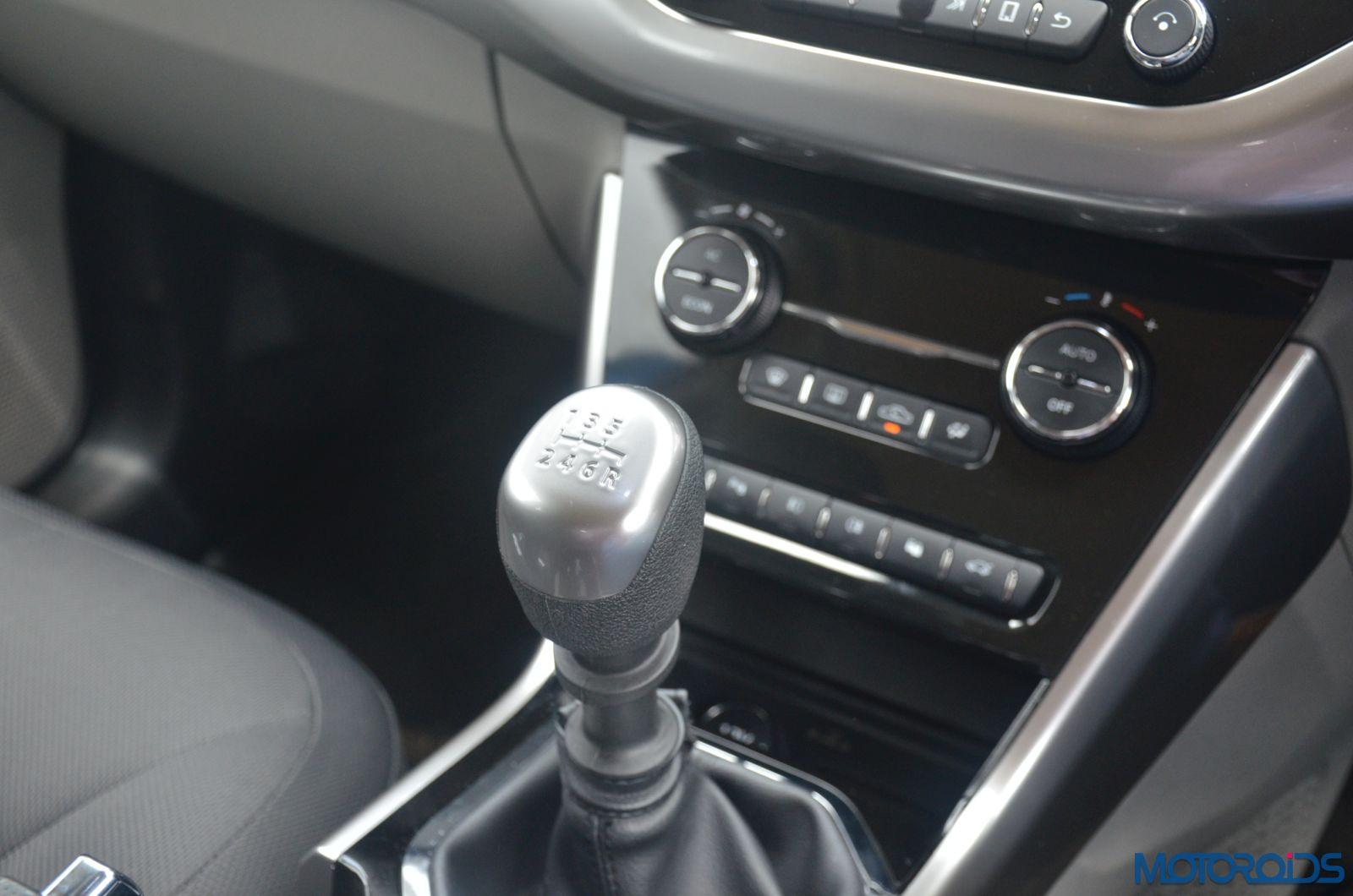Tata-Nexon-gearshifter