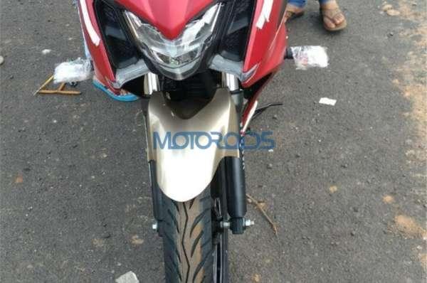 Yamaha-Fazer-250-Spied-3-600x398