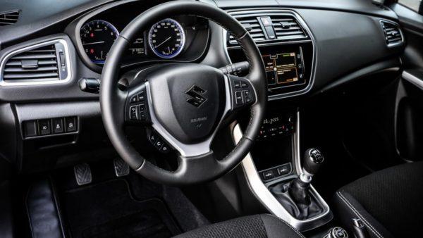 2017-Maruti-Suzuki-S-Cross-facelift-interior-unveiled-600x338