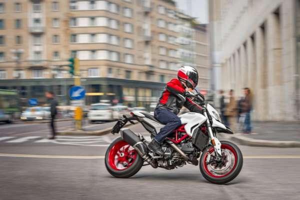 2018-Ducati-Hypermotard-939-3-600x399