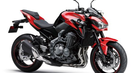 2018 Kawasaki Z900 - candy-persimmon-red-with-metallic-spark-black-02