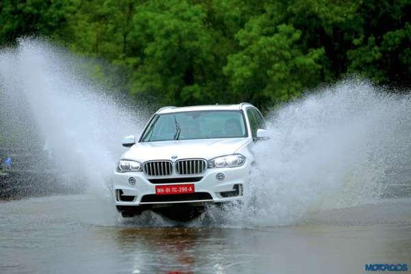 BMW-Experience-Tour-2017-Mumbai-4-600x400