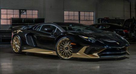 Black and Gold Lamborghini Aventador SV Coupe (1)
