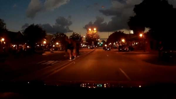 Dashboard-Footage-Of-Driving-In-A-Total-Solar-Eclipse-4-600x337