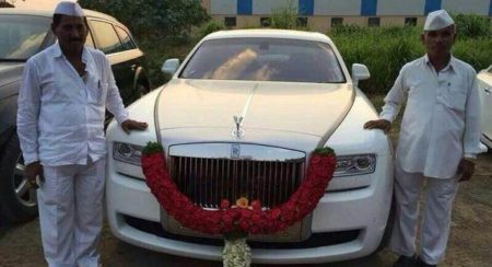 Farmer_from_Pune_and_his_Rolls_Royce