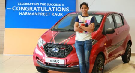 Harmanpreet Kaur Presented With A Datsun redi-GO (2)