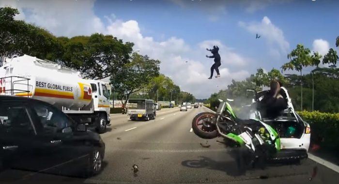 Video Kawasaki Rider Hits Stationary Car Pillion Gets