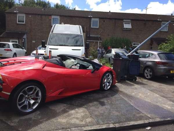 Lamborghini-Huracan-Spyder-Rental-Car-Crashed-1-600x450