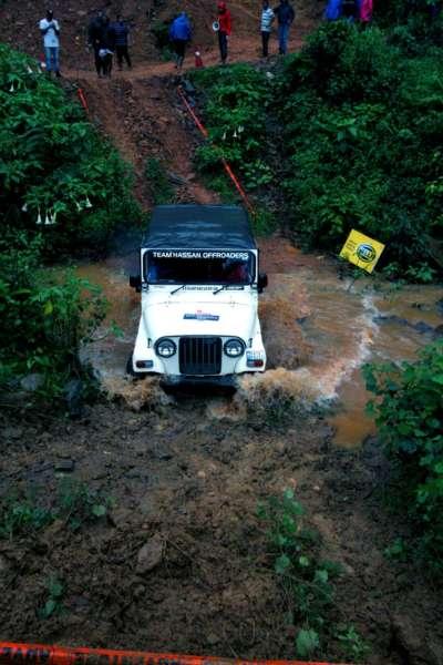 Mahindra-Great-Escape-21-400x600