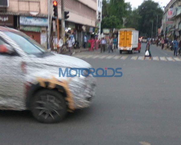 Mahindra-KUV100-facelift-spied-testing-2-600x479